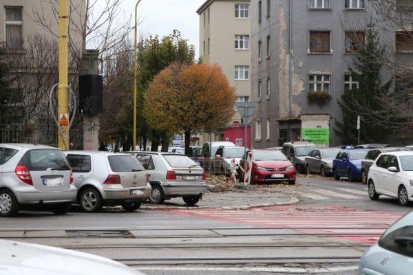 Nad severom sa spoplatnieva lorinc Domov komenskeho parkovanie 600x400
